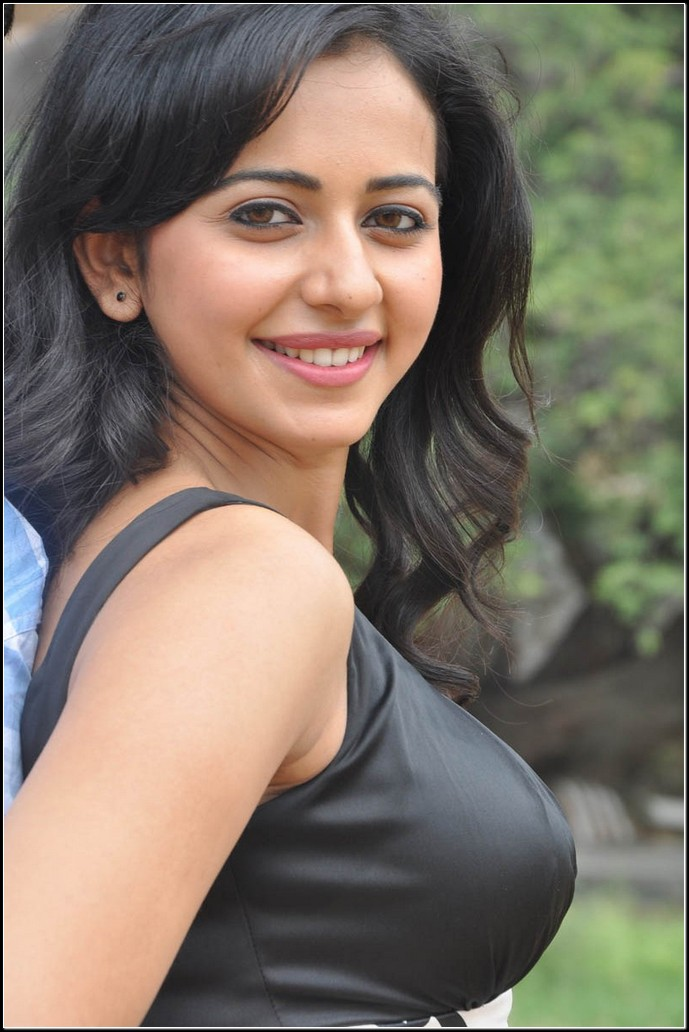 Rakul Preet Singh hot boobs