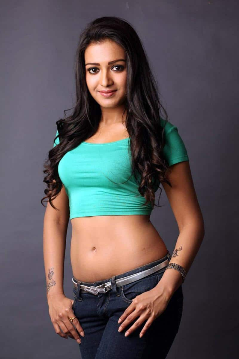 Catherine Tresa boobs