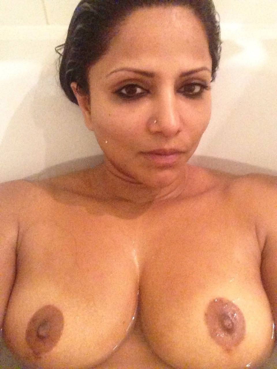 Indian girl shaved pussy